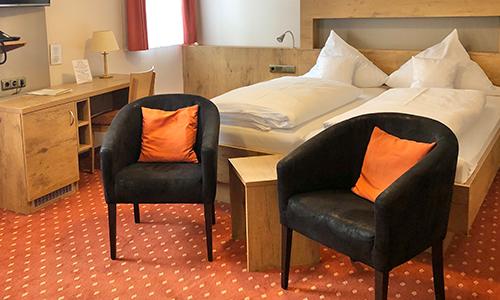 Gemütliches Hotelschlafzimmer